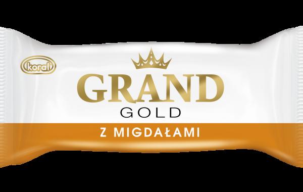 Grand_Gold_modele_w_opakowaniu_z_Migdalami